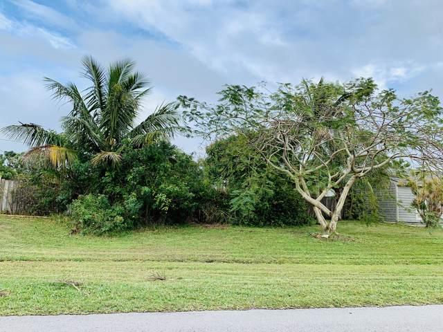 2820 SE Buccaneer Circle SE, Port Saint Lucie, FL 34952 (#RX-10605894) :: Ryan Jennings Group