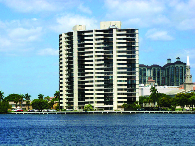 1200 S Flagler Drive Ph4, West Palm Beach, FL 33401 (#RX-10605979) :: Ryan Jennings Group