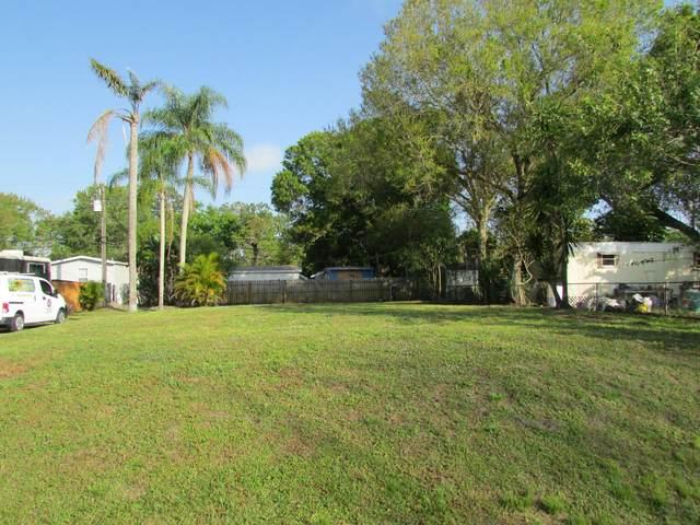 1213 SW Pinetree Trail, Stuart, FL 34997 (#RX-10608443) :: Ryan Jennings Group