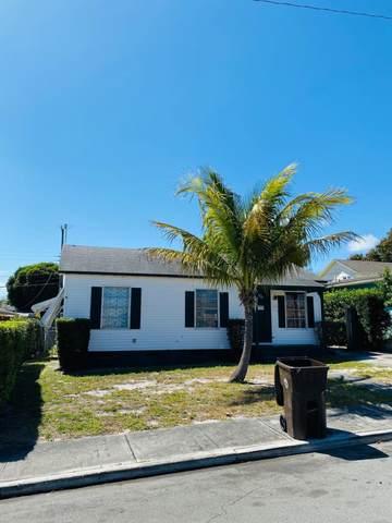 832 Mcintosh Street, West Palm Beach, FL 33405 (#RX-10609252) :: Ryan Jennings Group