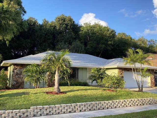 2577 N Pepperwood Circle N, North Palm Beach, FL 33410 (#RX-10609532) :: Ryan Jennings Group