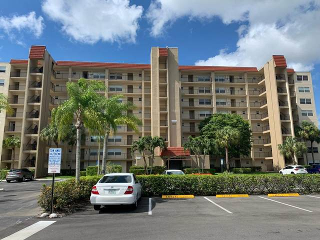 3465 Via Poinciana #405, Lake Worth, FL 33467 (#RX-10610195) :: The Reynolds Team/ONE Sotheby's International Realty