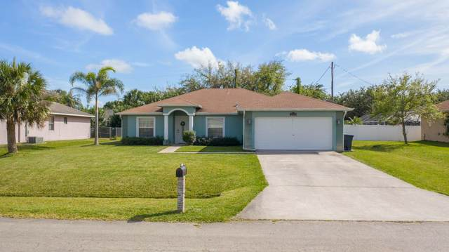 2218 SE Marsh Avenue, Port Saint Lucie, FL 34952 (#RX-10610596) :: Ryan Jennings Group