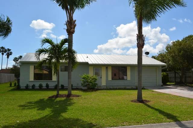2342 SE Rainier Road, Port Saint Lucie, FL 34952 (#RX-10611364) :: Ryan Jennings Group