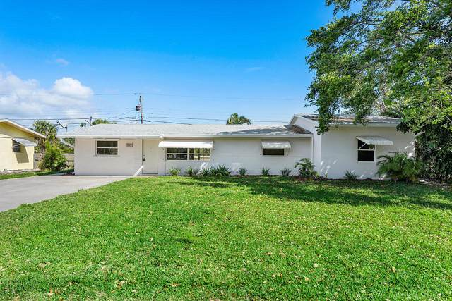 11451 SE Doherty Street, Tequesta, FL 33469 (#RX-10611585) :: The Rizzuto Woodman Team