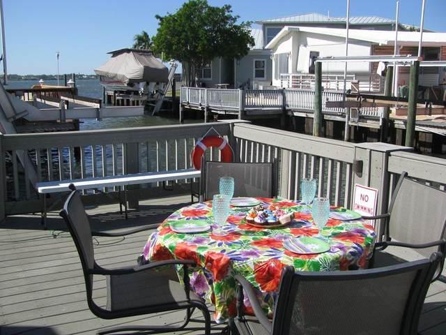 252 Nettles Boulevard, Jensen Beach, FL 34957 (#RX-10612377) :: The Rizzuto Woodman Team