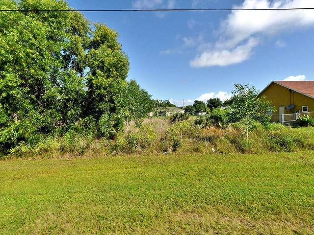 2725 SE Garfield Avenue, Port Saint Lucie, FL 34952 (#RX-10612661) :: Ryan Jennings Group