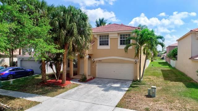 7843 Oak Grove Circle, Lake Worth, FL 33467 (#RX-10612956) :: Ryan Jennings Group