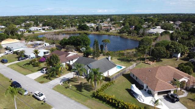 2342 SE Maniton Terrace, Port Saint Lucie, FL 34952 (#RX-10613002) :: Ryan Jennings Group