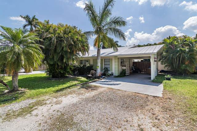 788 SW 36th Terrace SW, Palm City, FL 34990 (#RX-10613462) :: Ryan Jennings Group