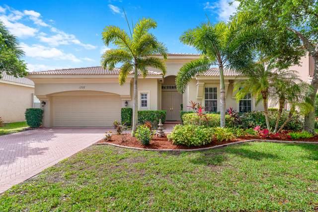 1727 Annandale Circle N, Royal Palm Beach, FL 33411 (#RX-10614155) :: Ryan Jennings Group