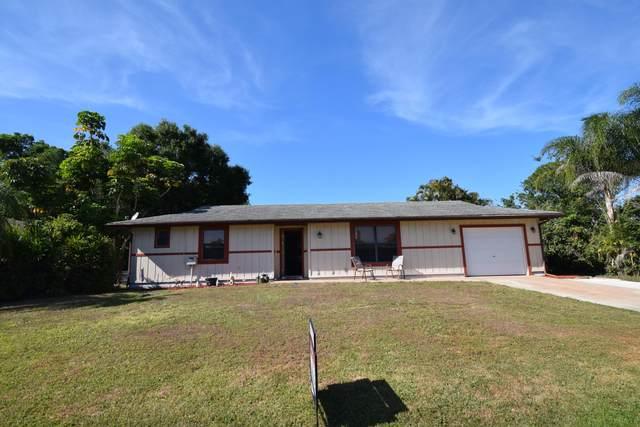 667 SE Starfish Avenue, Port Saint Lucie, FL 34983 (MLS #RX-10614280) :: Lucido Global