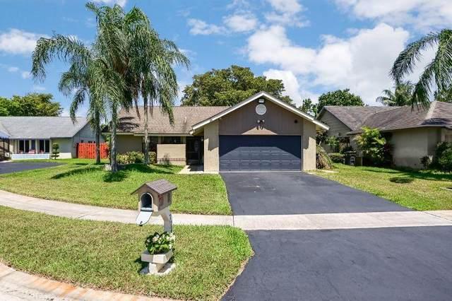 7743 Caoba Court, Lake Worth, FL 33467 (MLS #RX-10614284) :: Laurie Finkelstein Reader Team