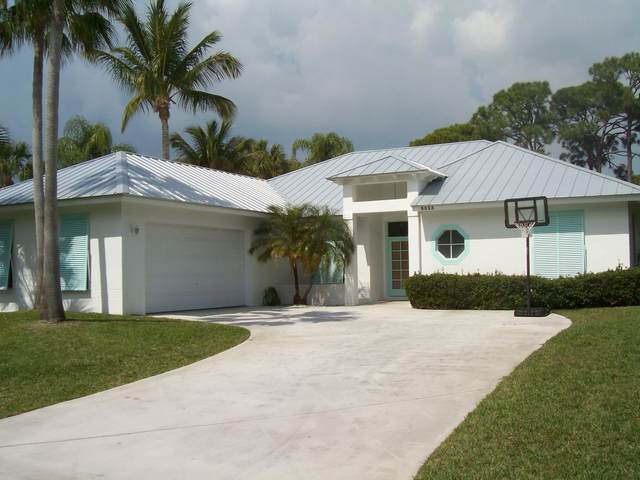 8523 SE Wilkes Place, Hobe Sound, FL 33455 (MLS #RX-10614298) :: Laurie Finkelstein Reader Team