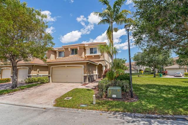 2111 Oakmont Drive, Riviera Beach, FL 33404 (#RX-10614577) :: The Reynolds Team/ONE Sotheby's International Realty