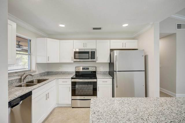 136 Banyan Circle, Jupiter, FL 33458 (#RX-10614988) :: Ryan Jennings Group