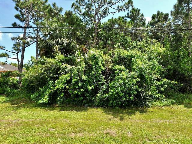 470 SW Tulip Boulevard, Port Saint Lucie, FL 34953 (#RX-10616532) :: Ryan Jennings Group