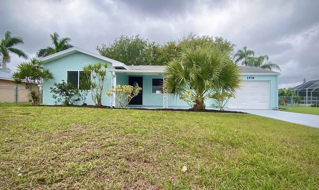 1970 SE West Dunbrooke Circle, Port Saint Lucie, FL 34953 (#RX-10616758) :: Ryan Jennings Group