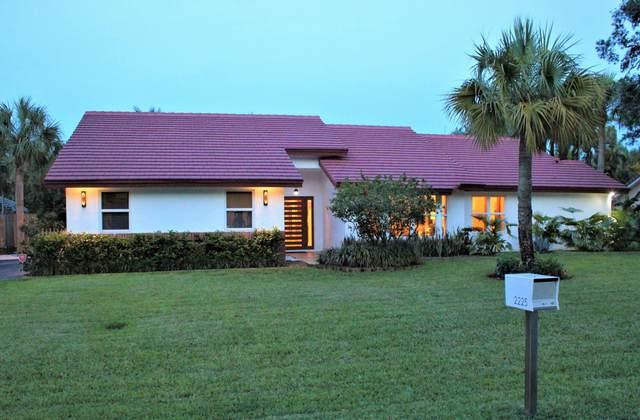 2225 SW 35th Avenue, Delray Beach, FL 33445 (#RX-10617960) :: Ryan Jennings Group