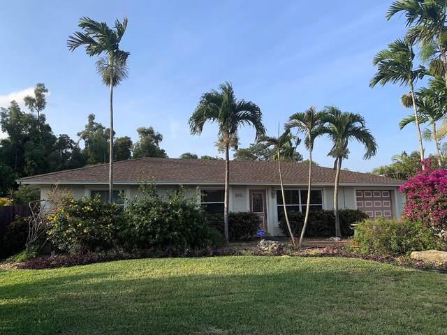 2841 Floral Road, Lantana, FL 33462 (#RX-10618087) :: Ryan Jennings Group