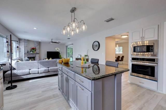 8121 SE Shiloh Terrace, Hobe Sound, FL 33455 (#RX-10620734) :: Ryan Jennings Group