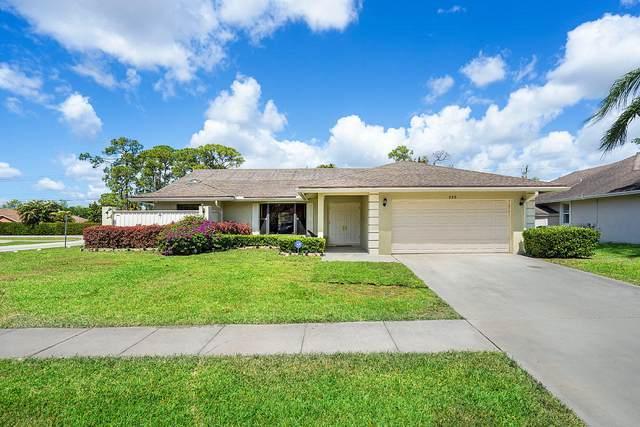 360 Indigo Avenue, Wellington, FL 33414 (#RX-10621223) :: Ryan Jennings Group