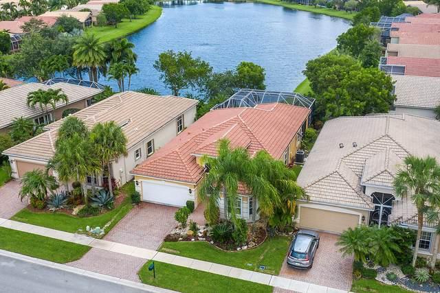 8680 Via Avellino, Lake Worth, FL 33467 (#RX-10621268) :: Ryan Jennings Group