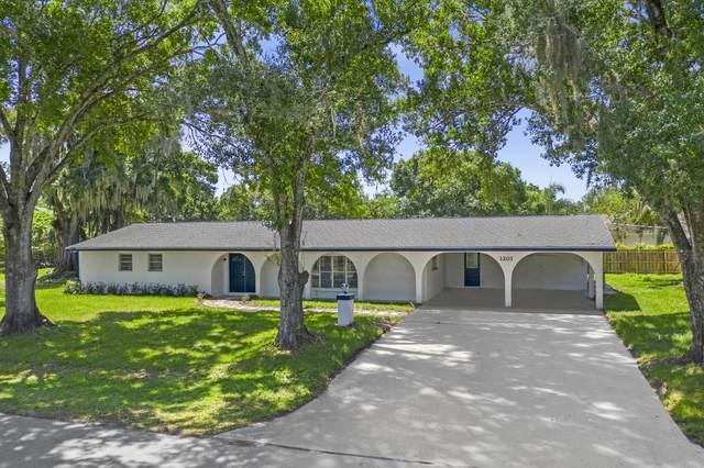 1201 Country Gardens Lane, Fort Pierce, FL 34982 (#RX-10621446) :: The Rizzuto Woodman Team