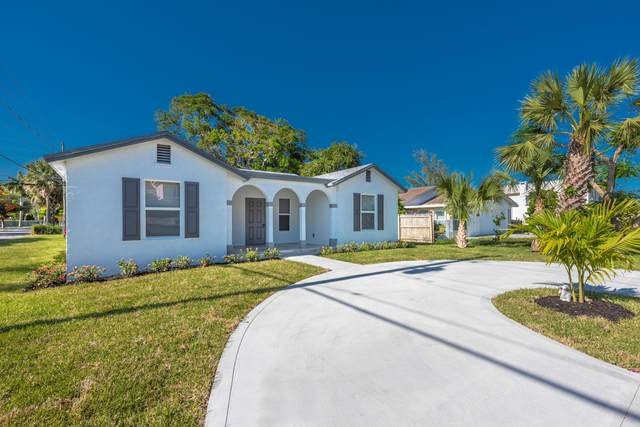 425 E Lakewood Road, West Palm Beach, FL 33405 (#RX-10621530) :: Ryan Jennings Group