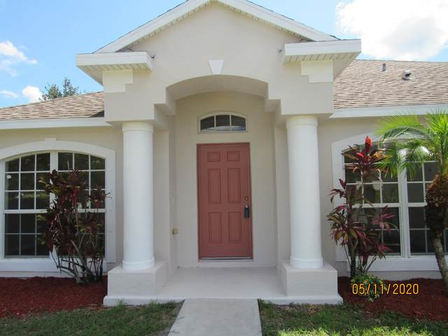 2067 SW Hampshire Lane, Port Saint Lucie, FL 34953 (#RX-10622129) :: The Reynolds Team/ONE Sotheby's International Realty
