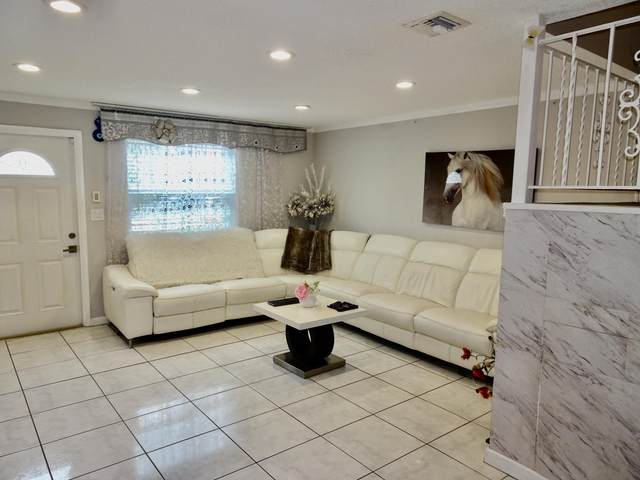 2200 Monroe Street #31, Hollywood, FL 33020 (#RX-10624170) :: Ryan Jennings Group