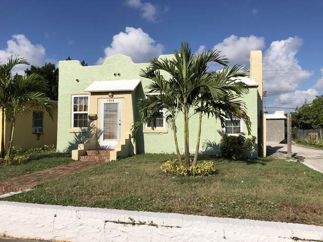 215 N B Street, Lake Worth Beach, FL 33460 (#RX-10625348) :: Posh Properties