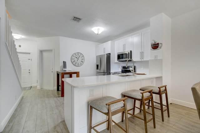 9880 Porta Leona Lane, Boynton Beach, FL 33472 (#RX-10625372) :: Posh Properties