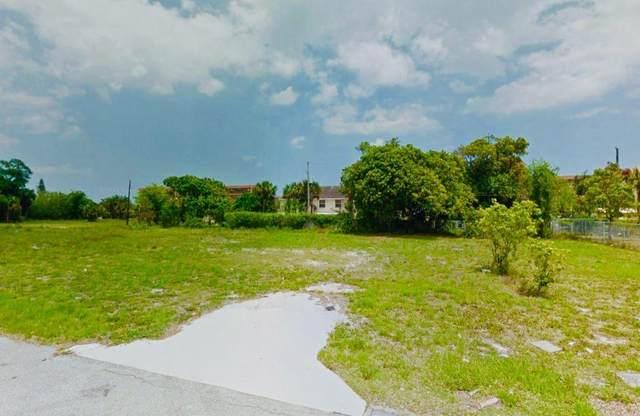 2621 Frederick Boulevard, Delray Beach, FL 33483 (#RX-10625767) :: Dalton Wade