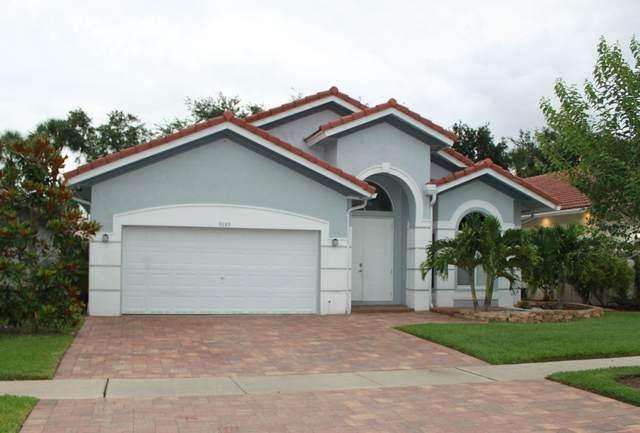 9089 Silver Glen Way, Lake Worth, FL 33467 (#RX-10625974) :: Ryan Jennings Group