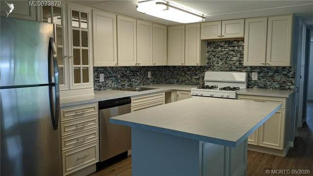 8282 SE Skylark Avenue, Hobe Sound, FL 33455 (MLS #RX-10626047) :: Castelli Real Estate Services