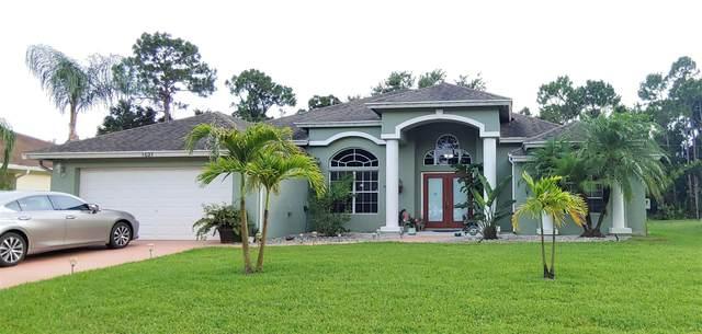 1027 SW Adventure Lane, Port Saint Lucie, FL 34953 (#RX-10626486) :: Ryan Jennings Group