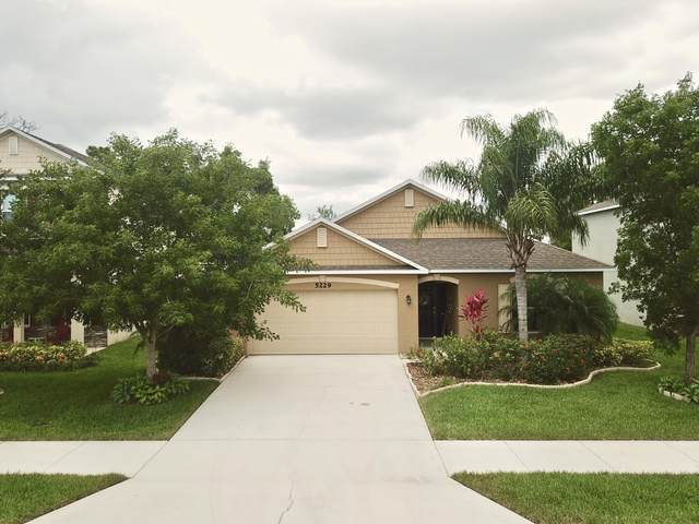 5229 NW Wisk Fern Circle, Port Saint Lucie, FL 34986 (MLS #RX-10626579) :: Laurie Finkelstein Reader Team