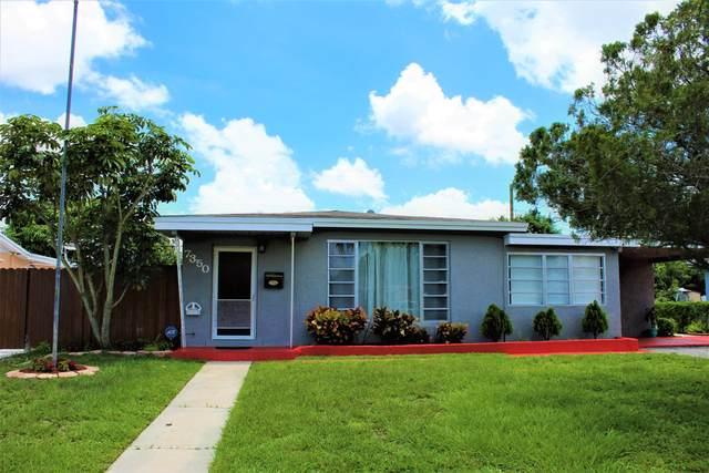 7350 Garfield Street, Hollywood, FL 33024 (MLS #RX-10626633) :: Laurie Finkelstein Reader Team