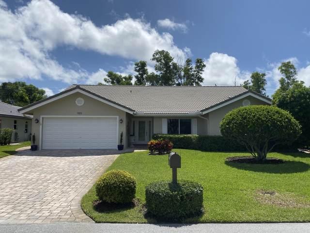 933 Greensward Lane, Delray Beach, FL 33445 (#RX-10626737) :: Ryan Jennings Group