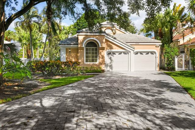 12950 Oak Knoll Drive, Palm Beach Gardens, FL 33418 (#RX-10626934) :: Treasure Property Group