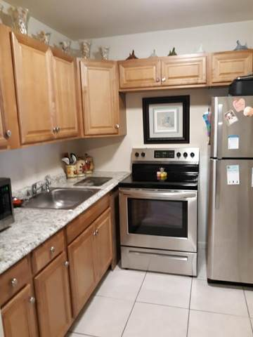15 Northampton A, West Palm Beach, FL 33417 (MLS #RX-10628753) :: Berkshire Hathaway HomeServices EWM Realty