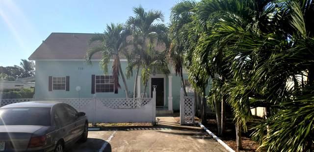 710 Southern Boulevard, West Palm Beach, FL 33405 (#RX-10629572) :: The Rizzuto Woodman Team