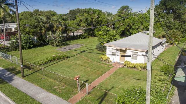 10 SW 4th Avenue, Delray Beach, FL 33444 (#RX-10634394) :: The Rizzuto Woodman Team