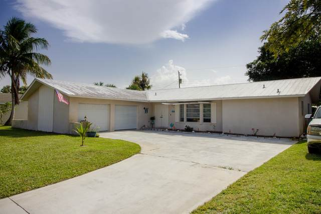 1368 NE Sago Drive NE, Jensen Beach, FL 34957 (MLS #RX-10635243) :: The Jack Coden Group