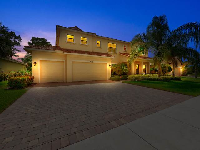 2732 NW Crystal Lake Drive, Jensen Beach, FL 34957 (#RX-10635275) :: Ryan Jennings Group