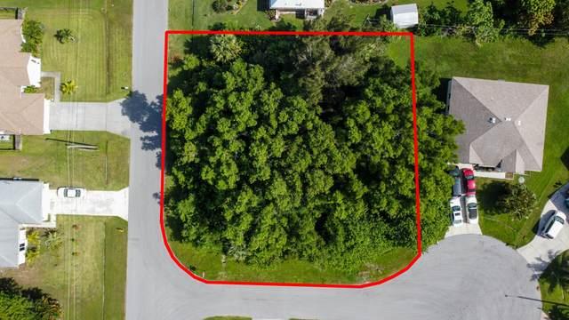 3022 SE Tipton Court, Port Saint Lucie, FL 34952 (#RX-10635774) :: Ryan Jennings Group