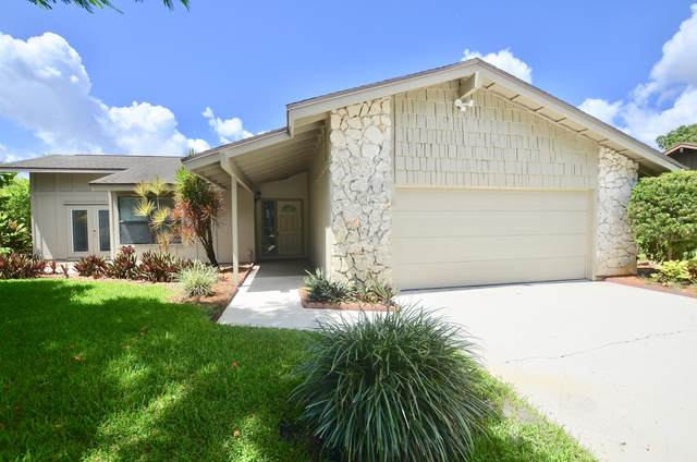 920 NE Town Terr Terrace, Jensen Beach, FL 34957 (#RX-10636032) :: Ryan Jennings Group