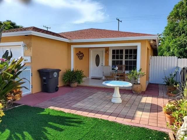 921 Alamanda Road, West Palm Beach, FL 33405 (#RX-10636127) :: Ryan Jennings Group