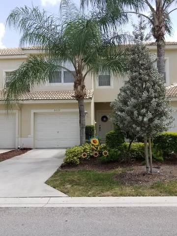 9777 Lago Drive, Boynton Beach, FL 33472 (MLS #RX-10636403) :: Berkshire Hathaway HomeServices EWM Realty